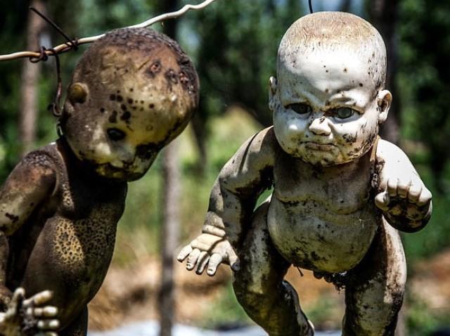 Изуродованные куклы острова