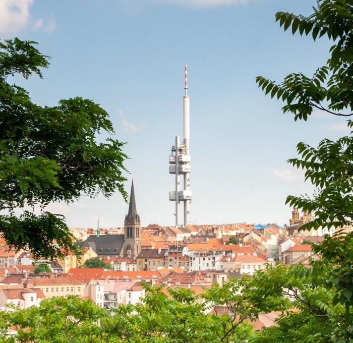 Жижковская телебашня в Праге