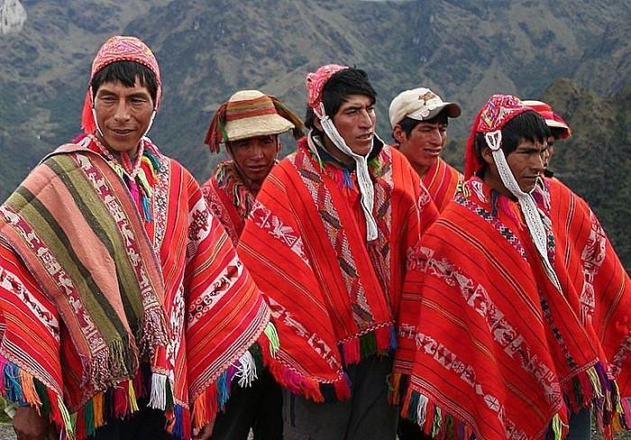 Перуанцы в пончо