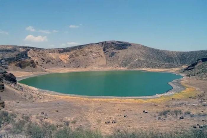 пустынное озеро Туркана