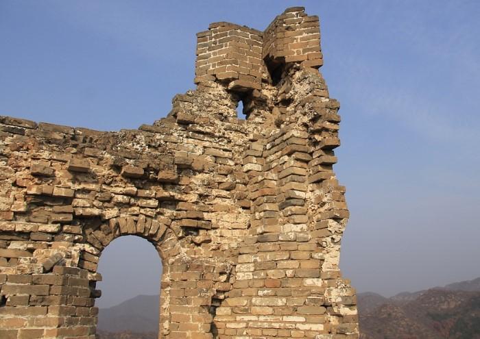 Великая Китайская стена постепенно разрушается